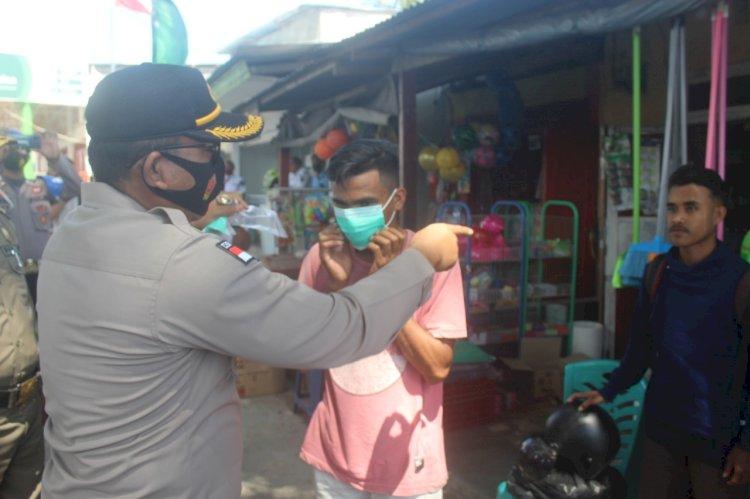 Sinergitas Polres Rote Ndao Bersama TNI Dan Pemda, Gelorakan Penggunaan Masker Cegah Covid - 19