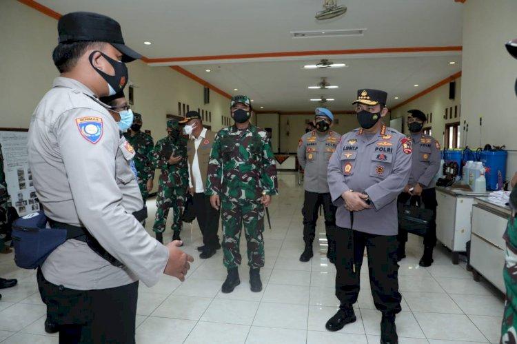 Didampingi Panglima TNI, Kapolri Beri Tiket Sekolah Bhabinkamtibmas Usai Sidak PPKM Mikro di Kudus